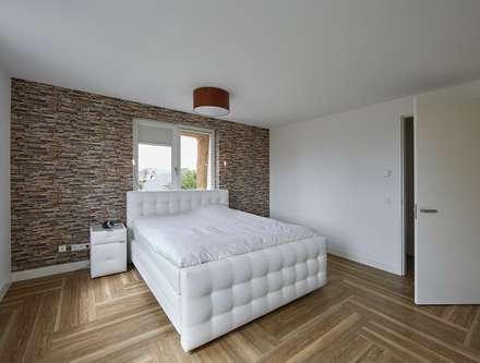 https://images.homify.com/c_fill,f_auto,q_auto:eco,w_440/v1503040884/p/photo/image/2184554/z-Interieur-jaren_30-woning-Moerkapelle-Architect-Brand_BBA-10.jpg