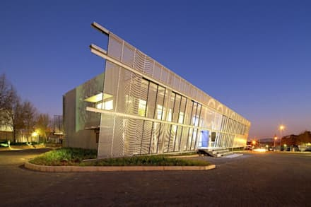 Consulmet Offices, Johannesburg:  Office buildings by Elphick Proome Architects