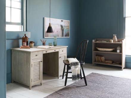 Scribble desk: modern Study/office by Loaf