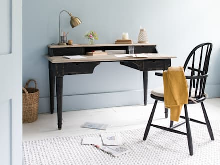 Blotter desk: modern Study/office by Loaf