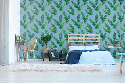 BEDROOM IN THE SHADE OF LEAVES: tropical Bedroom by Pixers