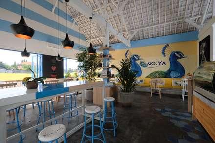 Moya Cafe:  Restoran by Manon Design Studio