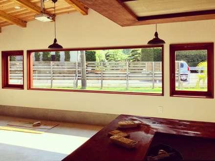 インテリア: tai_tai STUDIOが手掛けた窓です。