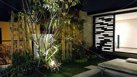 Bodegas de jardín de estilo  por ARKON
