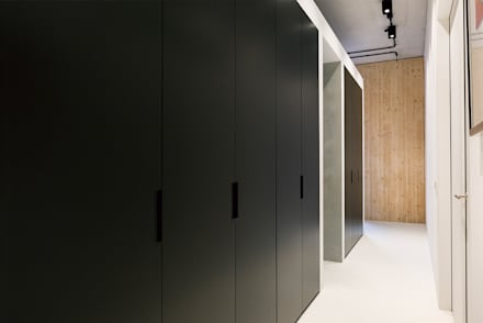 Moderne kleedkamer idee n en inspiratie homify - Moderne slaapkamer met kleedkamer ...