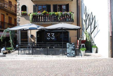 33 italian street food OUTDOOR: Gastronomia in stile  di architetto giuseppe bellinelli