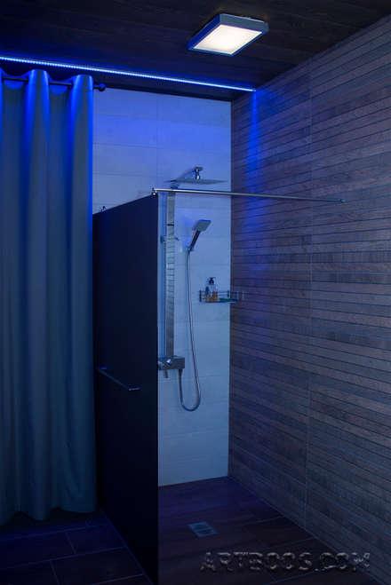 Saunas de estilo  por Творческая мастерская АRTBOOS
