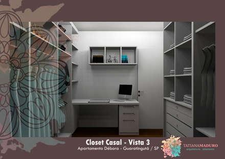 Vista 3: Closets modernos por Tatiana Maduro Arquitetura . Interiores
