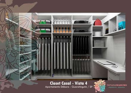 Vista 4: Closets modernos por Tatiana Maduro Arquitetura . Interiores