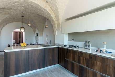 Built-in kitchens by ABBW angelobruno building workshop