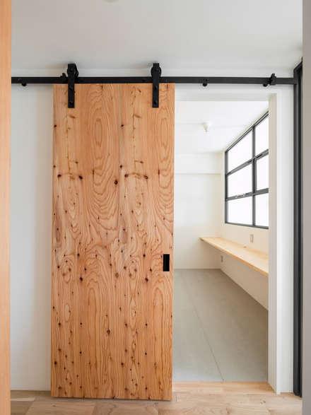 Sliding doors by 株式会社エキップ