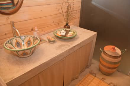 Baños de estilo rústico por Rusticasa