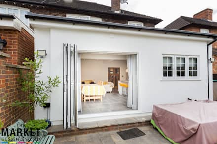BEAUTIFUL, LIGHT KITCHEN EXTENSION IN LONDON:  Doors by The Market Design & Build