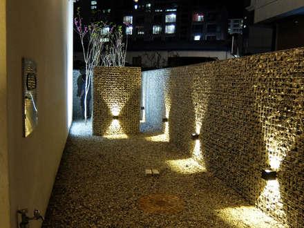 청향실(聽香室): AAPA건축사사무소의  정원