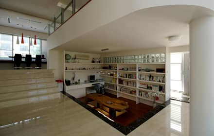 modern Study/office by 築青室內裝修有限公司