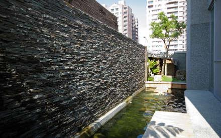 台南12號住宅:  庭院 by 築青室內裝修有限公司