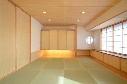 楓ケ原の家: 鎌田建築設計室が手掛けた和室です。