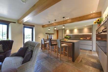 Drummond's Kitchen:  Built-in kitchens by Diane Berry Kitchens