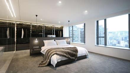 Parc Palais: modern Bedroom by Artta Concept Studio