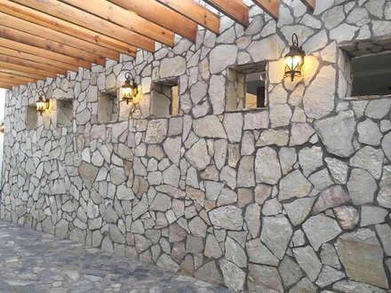 POLIGONO 93 ARQUITECTOS SA DE CV의  벽