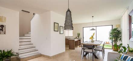 Construcción : Salas de estilo ecléctico por Concepto Arquitectónico Studio