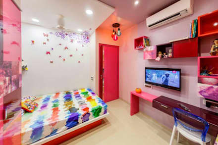 Study table in Kids room:  Girls Bedroom by Vinayak Interior | Interior Designing and Decorator Companies