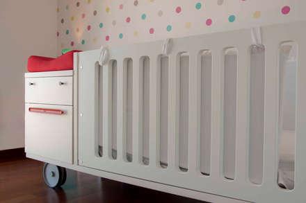 Vivienda en la Ciudad de las Artes y las Ciencias: Dormitorios infantiles de estilo minimalista de Isho Design