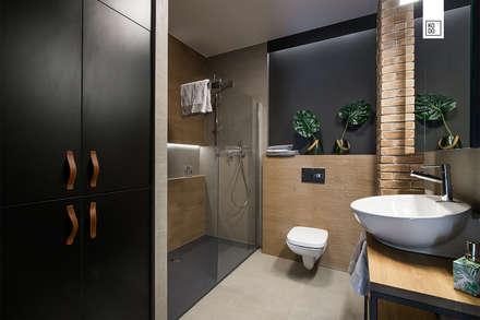 Phòng tắm by Pracownie Wnętrz Kodo