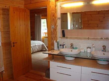 RUSTICASA | Chalé de montanha | Andorra: Casas de banho rústicas por Rusticasa
