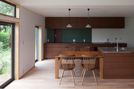 稲敷の家: 株式会社 井川建築設計事務所が手掛けたリビングです。