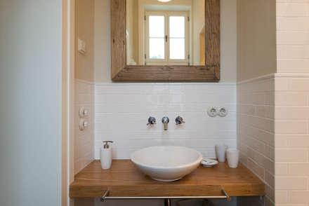 Bad: rustikale Badezimmer von raumdeuter GbR