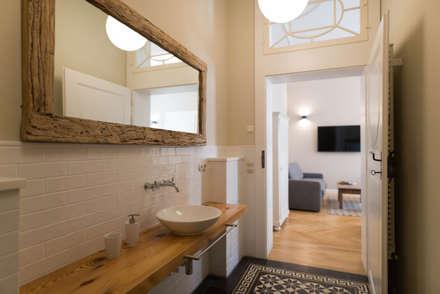 Perfekt Badezimmer: Rustikale Badezimmer Von Raumdeuter GbR