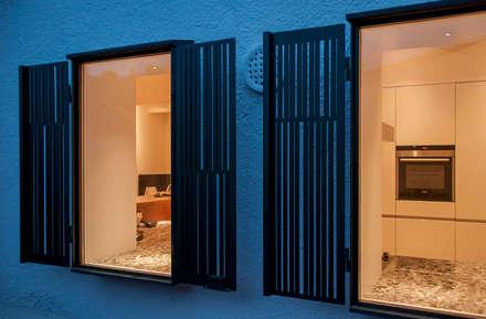 Las rejas: Ventanas de estilo  de Rardo - Architects