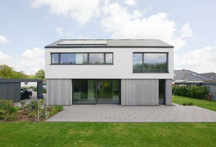منزل عائلي صغير تنفيذ Sieckmann Walther Architekten