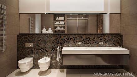 Интерьер жилого дома 600 м²: Ванные комнаты в . Автор – Morskoy Architect
