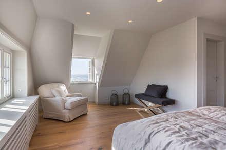 High-End-Homestaging auf Sylt: landhausstil Schlafzimmer von Home Staging Sylt GmbH