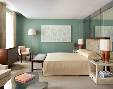 West Village Townhouse: classic Bedroom by andretchelistcheffarchitects