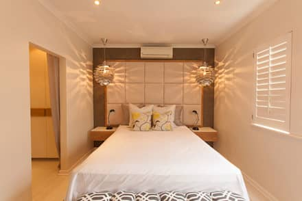 House Varyani: modern Bedroom by Redesign Interiors