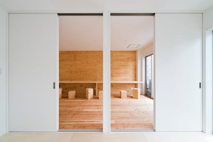 industrial Nursery/kid's room by キリコ設計事務所