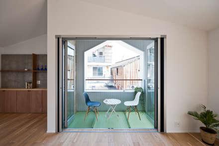 بلكونة أو شرفة تنفيذ キリコ設計事務所