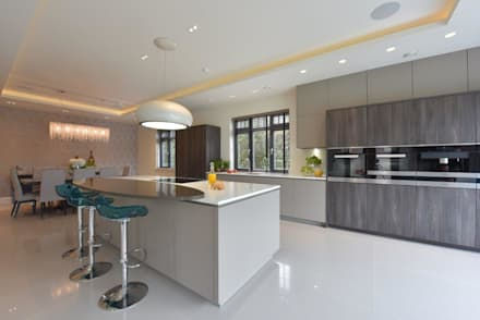 Mr & Mrs McLaughlin:  Built-in kitchens by Diane Berry Kitchens