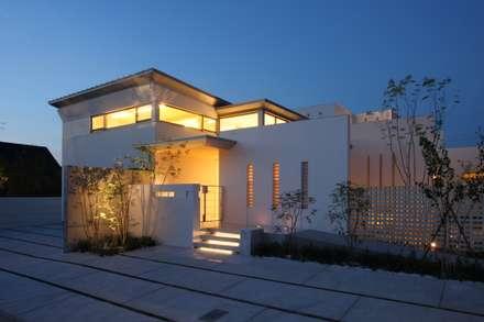 SEE  SEA  HOUSE  (海が見える家): MITSUTOSHI   OKAMOTO   ARCHITECT   OFFICE 岡本光利一級建築士事務所が手掛けた家です。