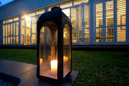 Aluminium Shutters - Outdoor Rooms:  Patios & Decks by TWO Australia