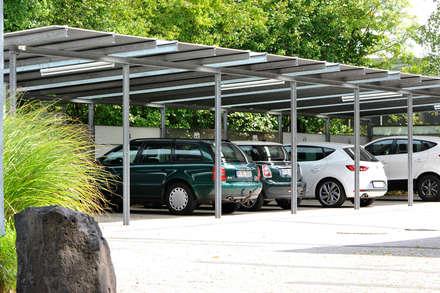 Carport:  Carport von Clemens Fauth Landschaftsarchitekten
