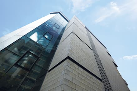 계단실 부분 컷: 라움플랜 건축사사무소의  주택