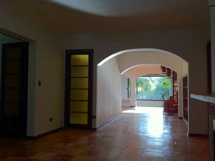Paredes de estilo  por ARCOP Arquitectura & Construcción