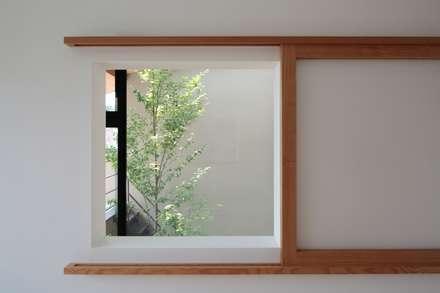 Деревянные окна в . Автор – TEKTON | テクトン建築設計事務所