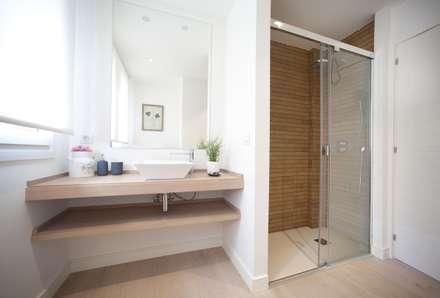 ห้องน้ำ by Sube Susaeta Interiorismo