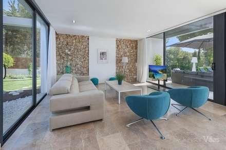 Vivienda en Alcudia: Salones de estilo moderno de Diego Cuttone - Arquitecto