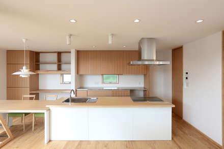 キッチン: TEKTON | テクトン建築設計事務所が手掛けたキッチンです。
